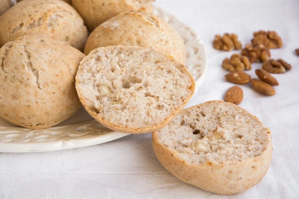 Panini con noci e mandorle -Senza glutine per tutti i gusti