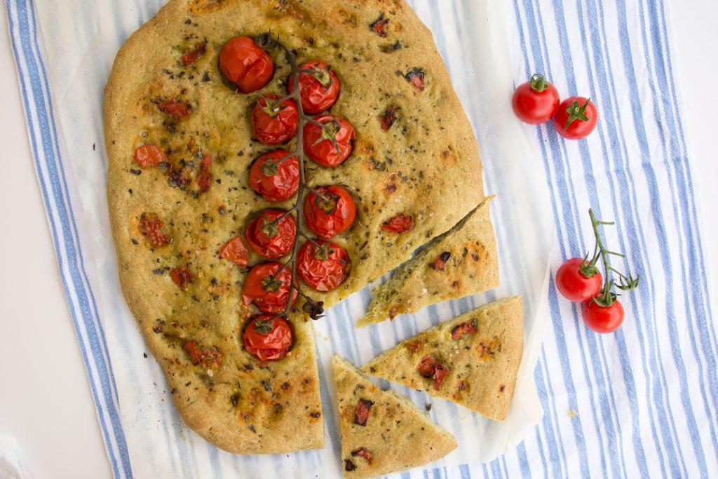 Schiacciata agli spinaci e pomodorini-Senza glutine per tutti i gusti